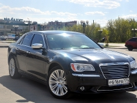 Chrysler 300 C черный